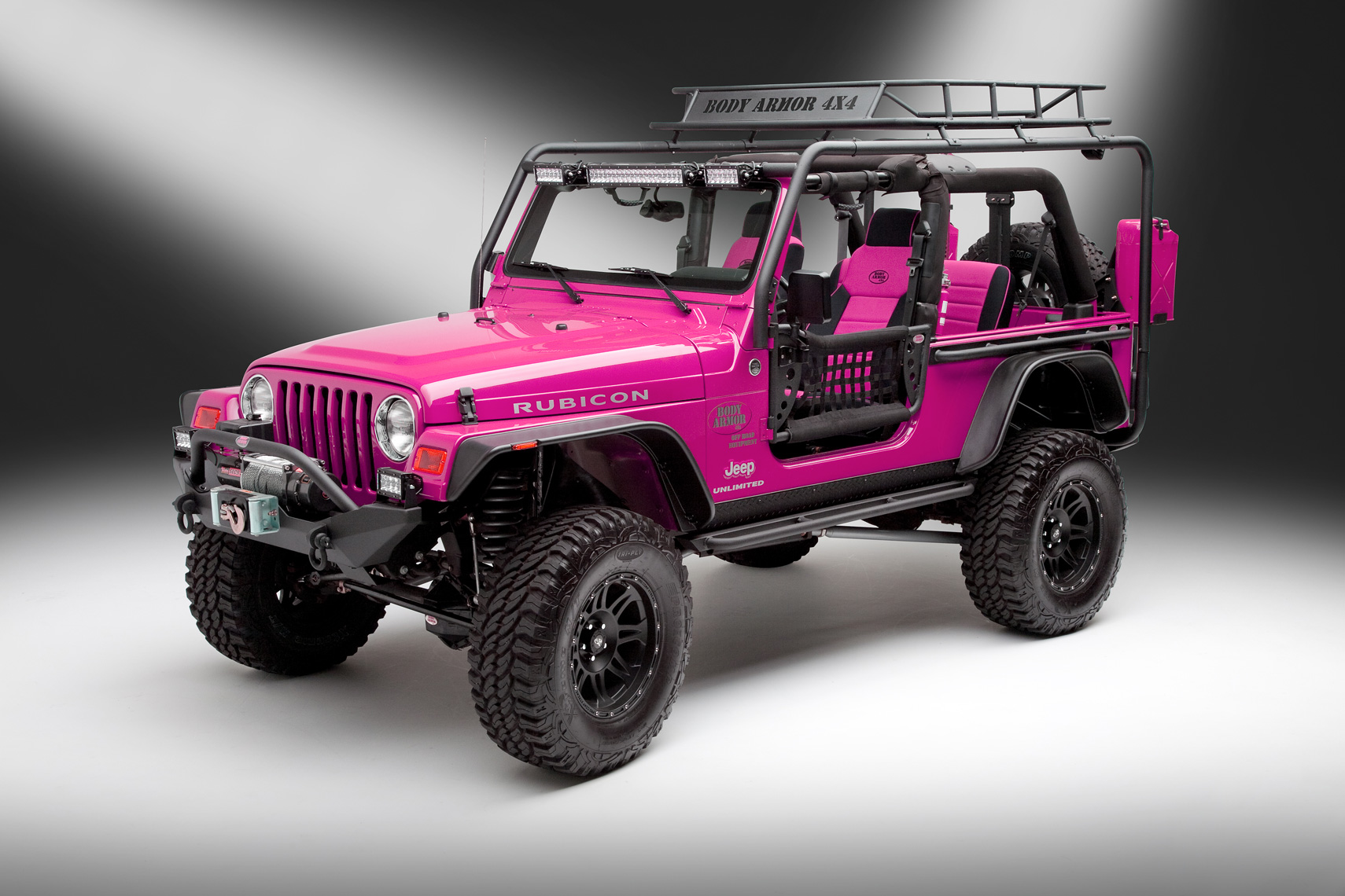 Pink-Jeep_1072
